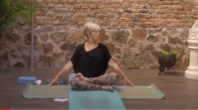 50min Gentle Yoga with a Focus on Neck and Shoulders
