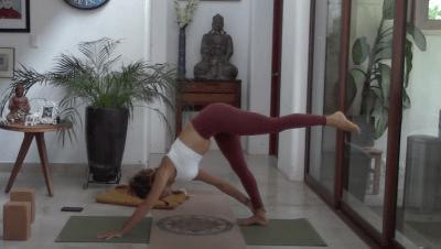 45min Vinyasa Yoga for Abs (bilingual)
