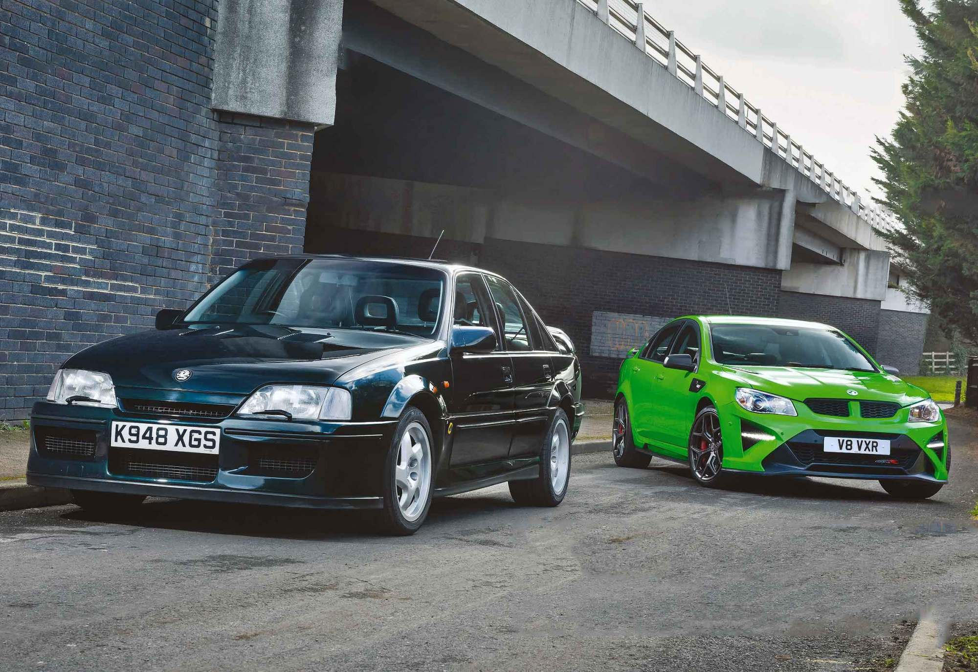 hight resolution of back to the future vauxhall lotus carlton vs vxr8 gts r