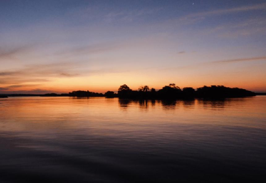 fiume zambesi tramonto