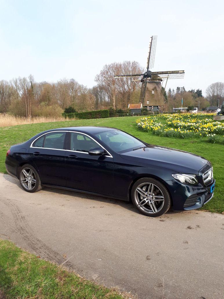 Mercedes E class sedan limousine private tour Dutch Mills