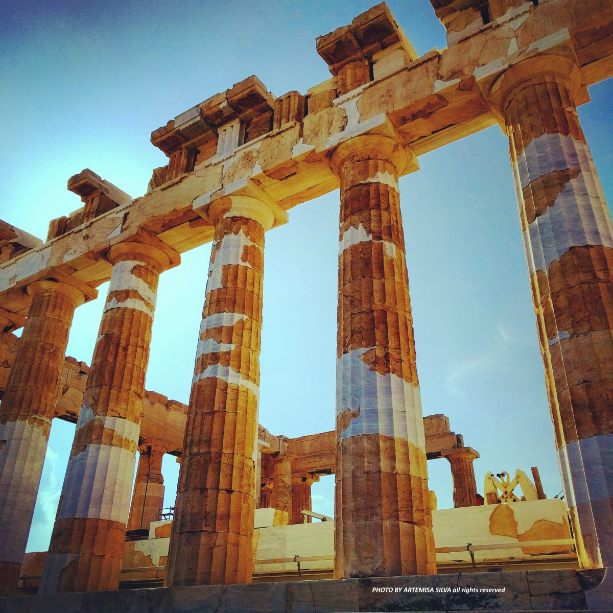 Layover in Athens: tourism inside a bubble and the effects of the crisis in Greece