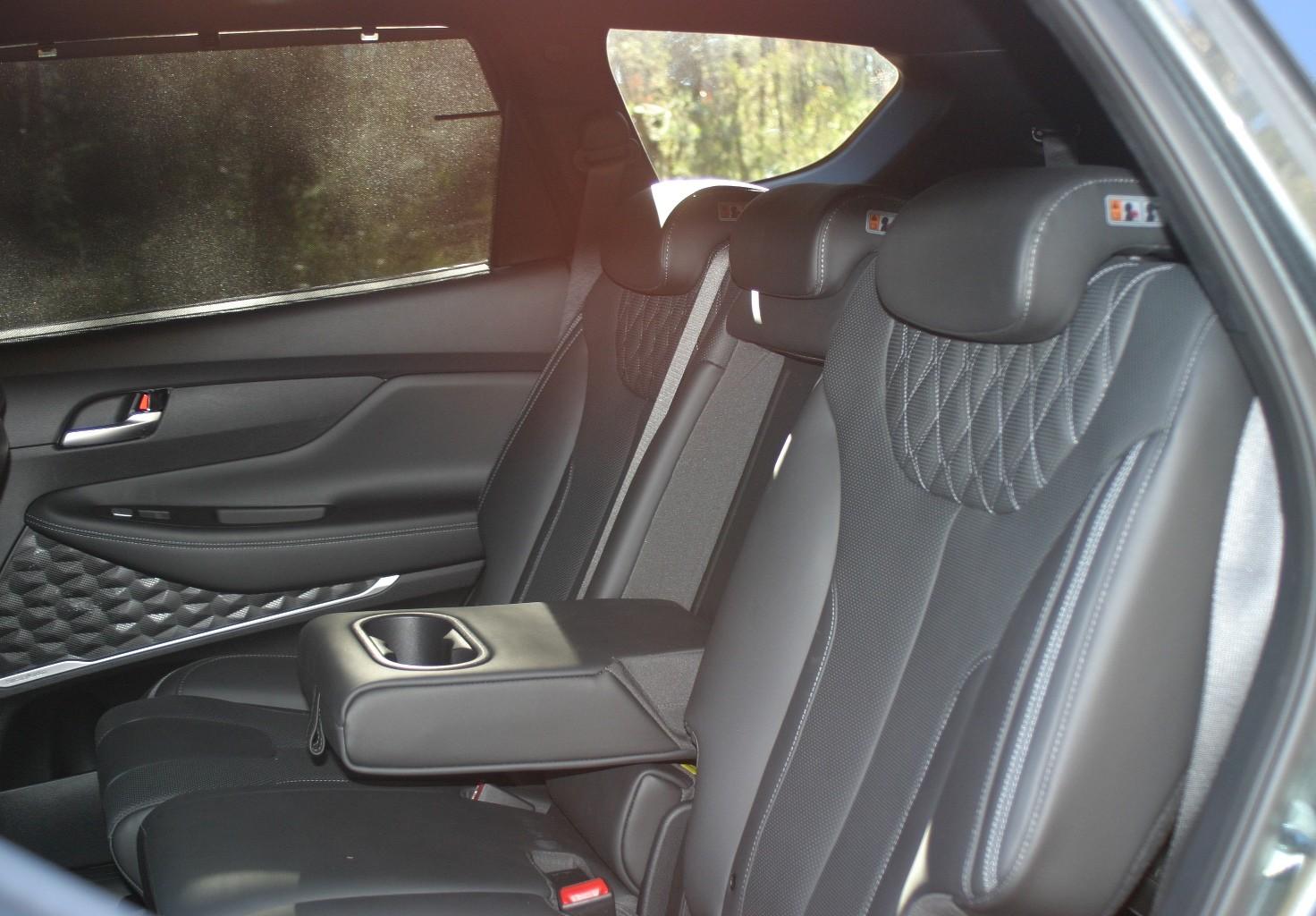 Hyundai Santa Fe Highlander V6 Petrol second row seats
