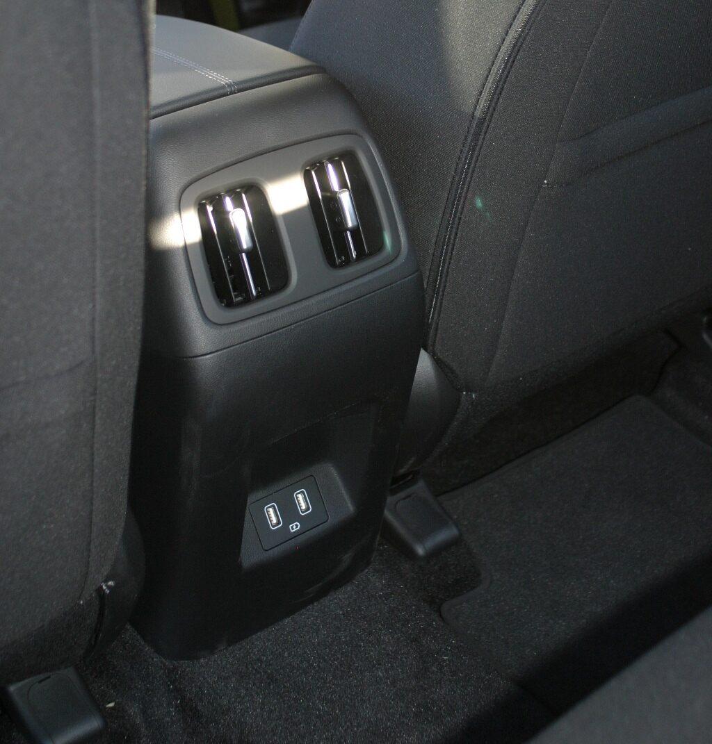 Hyundai Tucson rear air vents