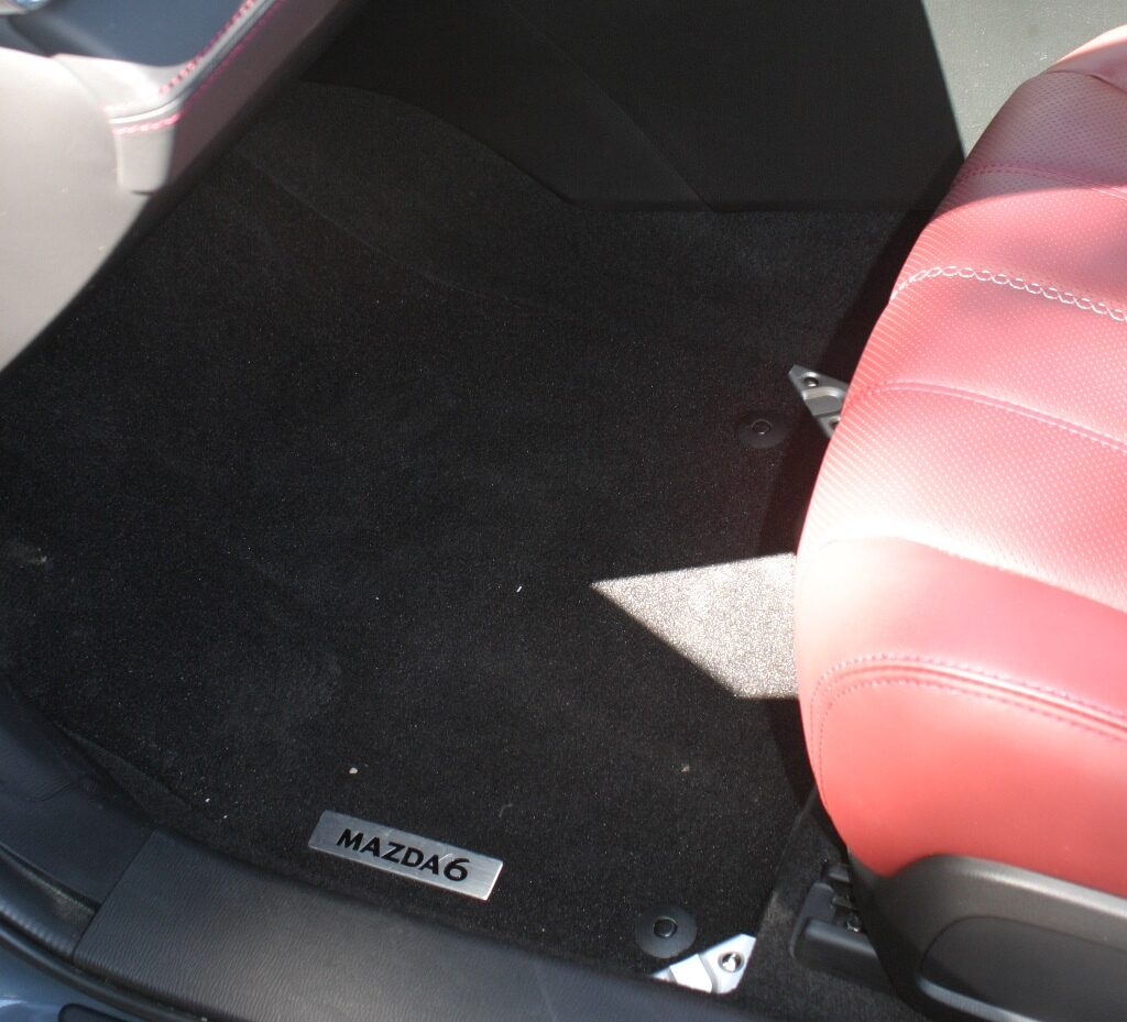 Mazdag6 wagon floor mat