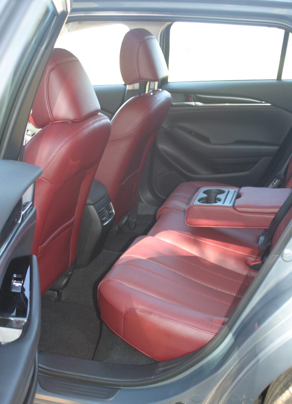 Mazdag6 wagon rear foot well