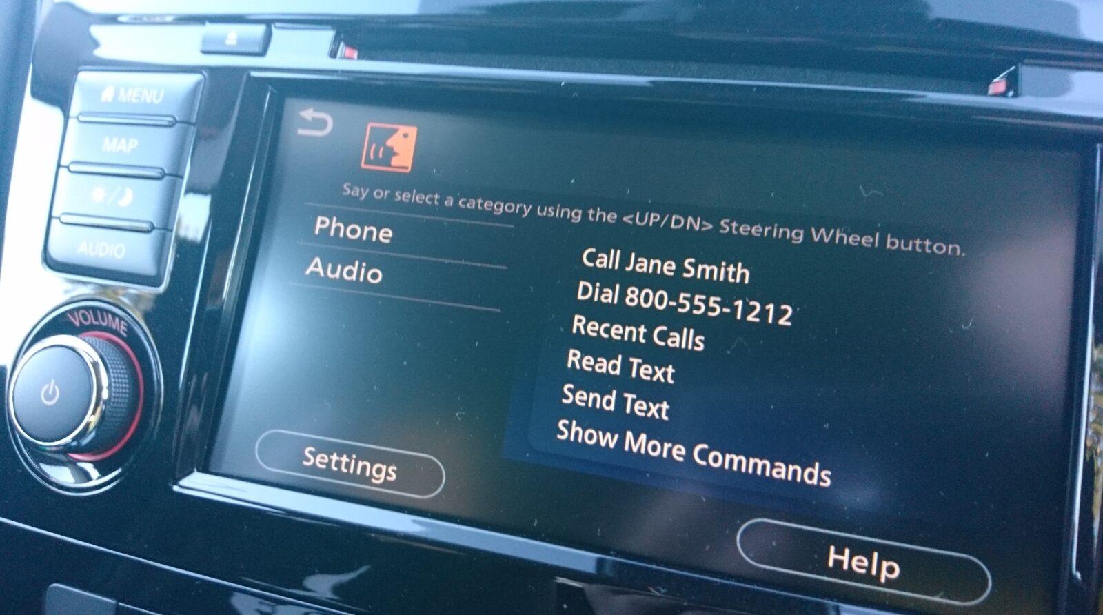 Nissan X-Trail Ti infotainment screen