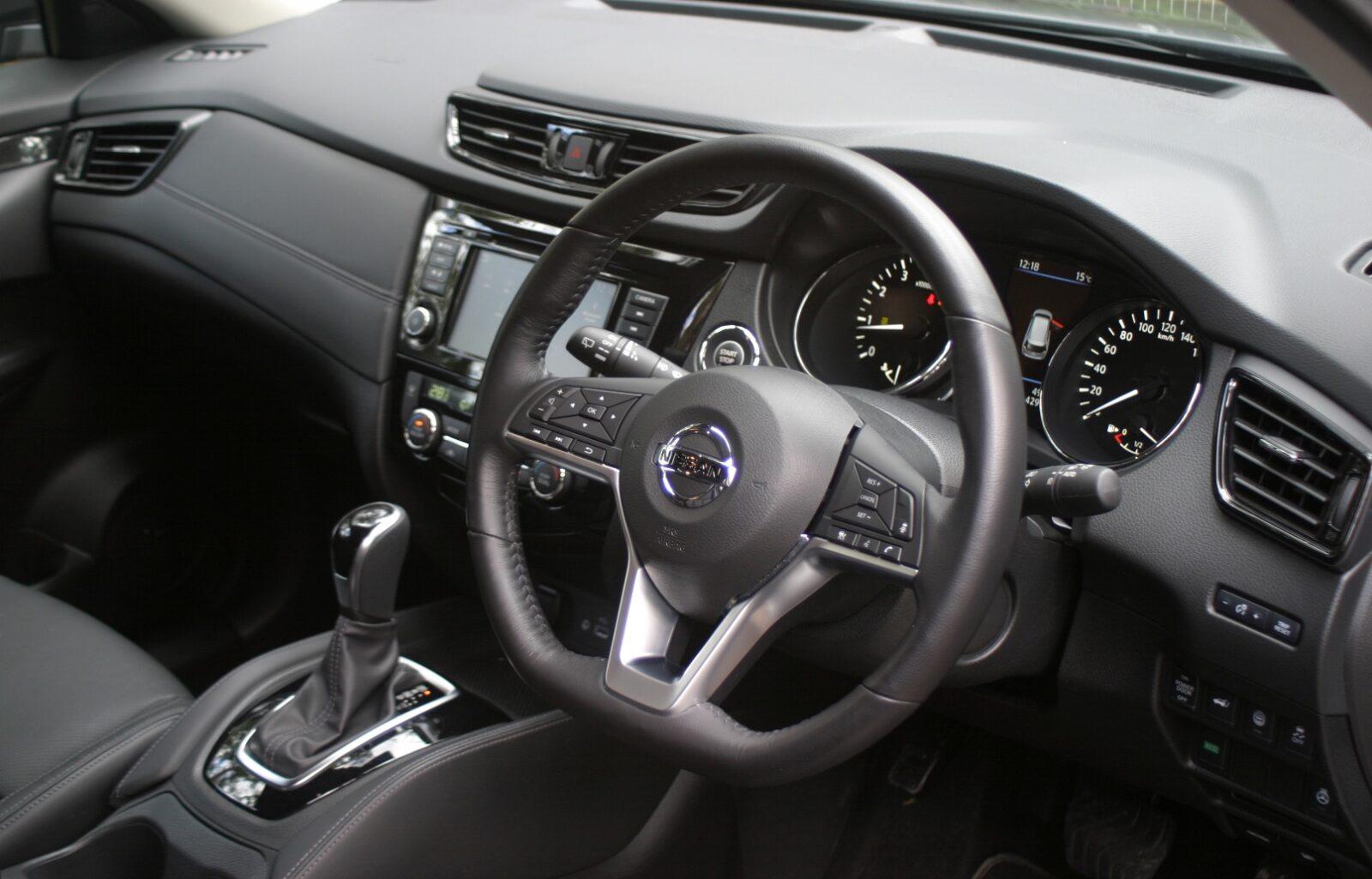 Nissan X-Trail Ti steering wheel