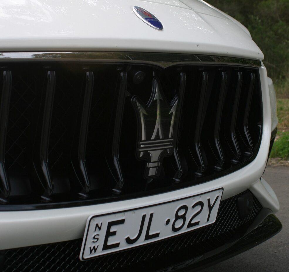 Maserati Ghibli Hybrid grille
