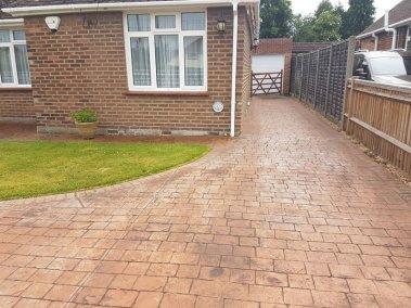 drive-revival-patterned-concrete-reseal-maintenance-berkshire-1