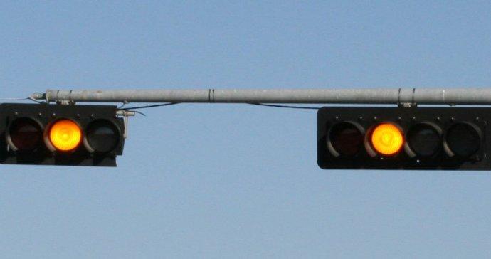 Traffic signal - yellow light