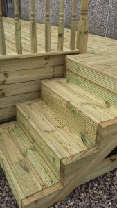 Timber-decking-step-treads-installed-in-Moprley-Leeds.jpg