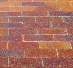 stretcher-bond-block-paving-close-up