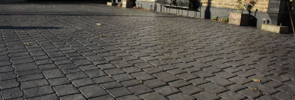 stone-cobble-pattern-imprinted-concrete