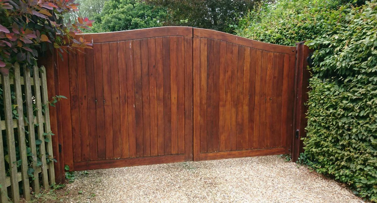 Hardwood driveway gate