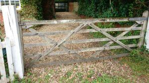 driveway gate maintenance