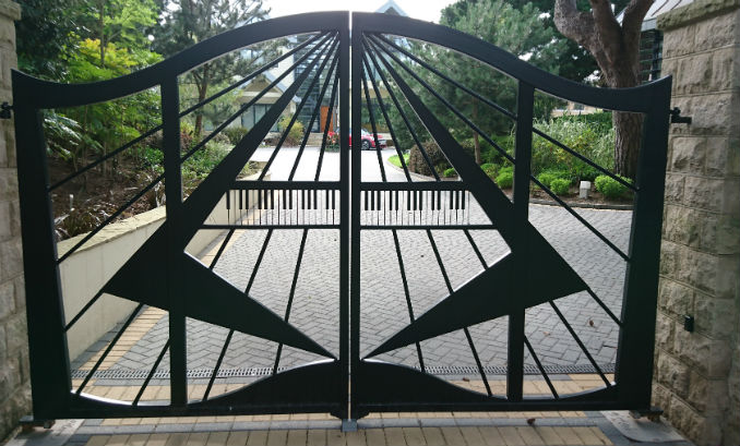 Driveway gates -Types, Styles and Automation Guide