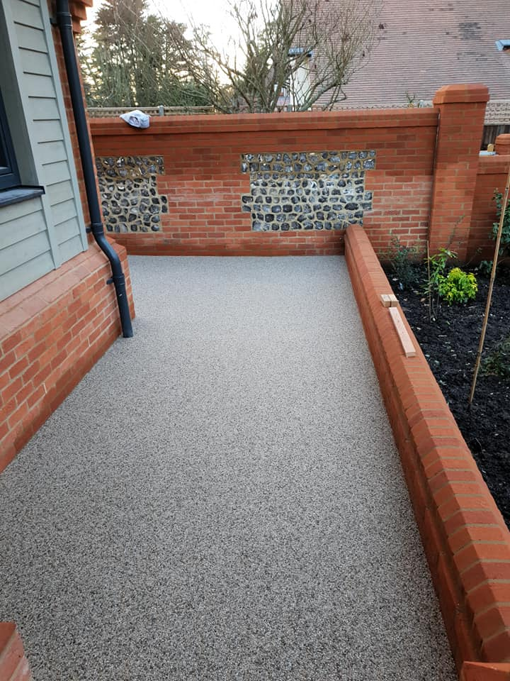Resin Bound Surfacing Specialists resin pathway around house in Hook Hampshire