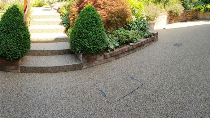 Resin Patio with Resin Steps from Resin Bound Surfacing Specialists