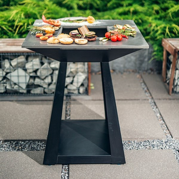 Quan Quadro Small Wood Fired BBQ Fire pit Black