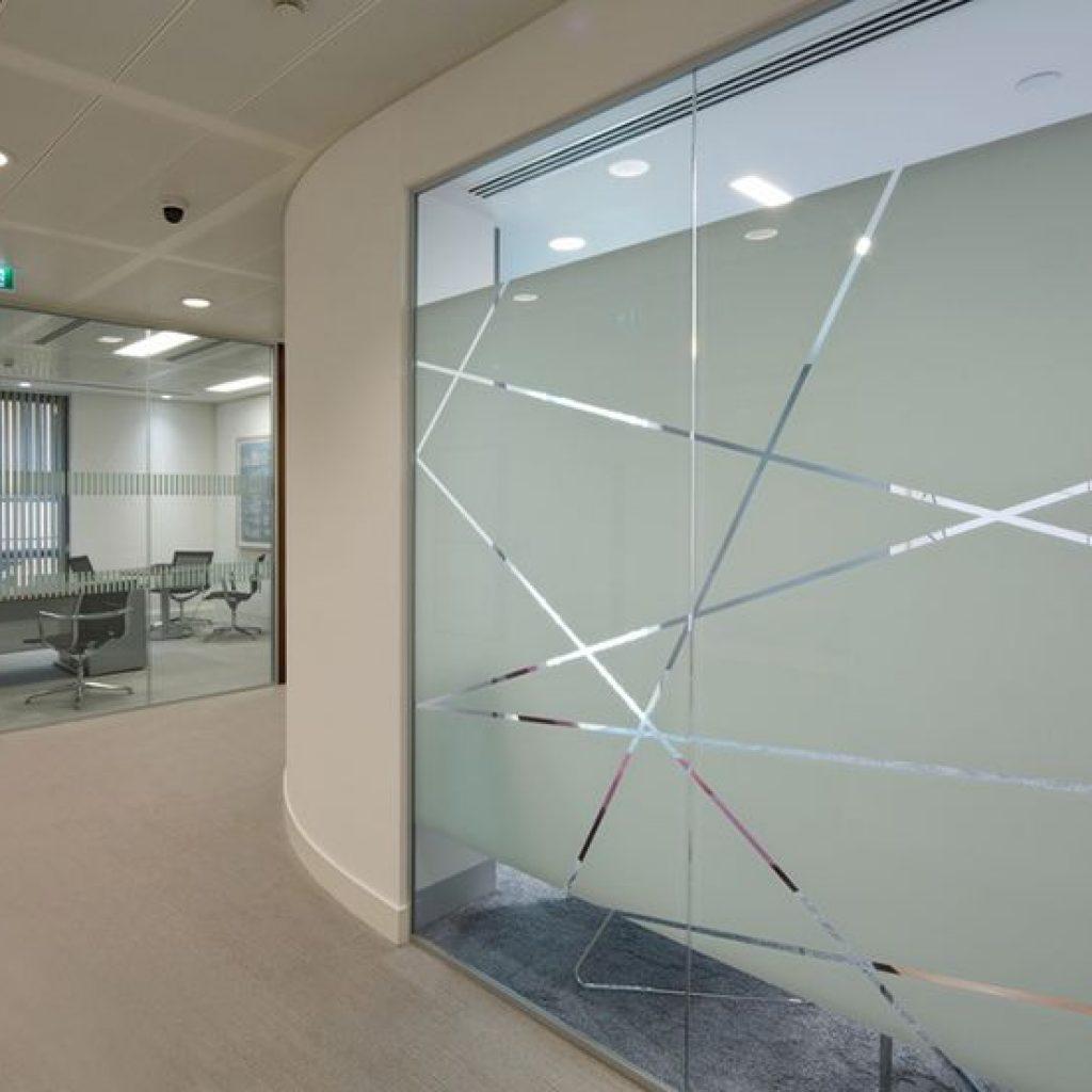 a2d520985b6c7b49e18989435ff209d2-traditional-office-white-interiors-1024x1024-1