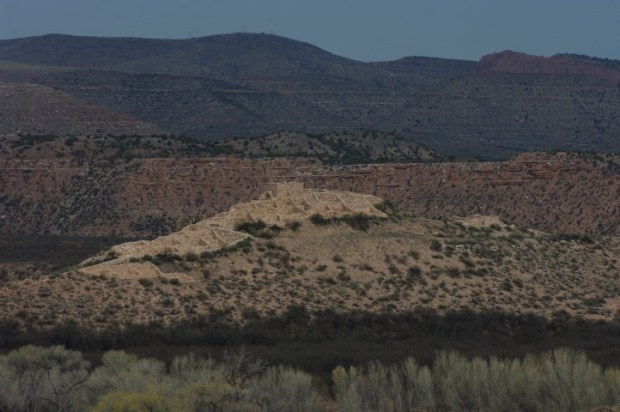 Tuzigoot National Monument with a better lens (but worse lighting).