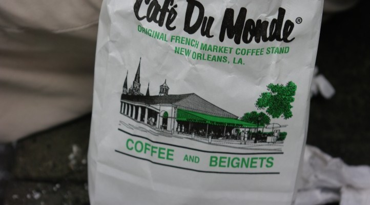Doing the Tourist Thing: Cafe du Monde in New Orleans