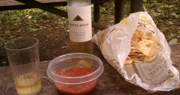 Wine Pairing: Sweet Wine with Chips and Salsa