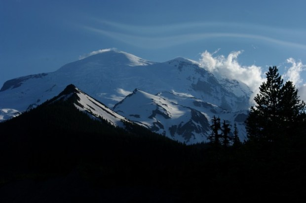 The second day, Mt. Rainier was wearing an inverted tilde.