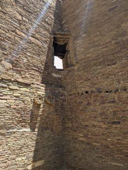 Corner passageway