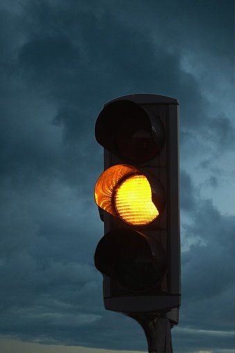 Driving Tips The True Meaning Of The Yellow Traffic Light