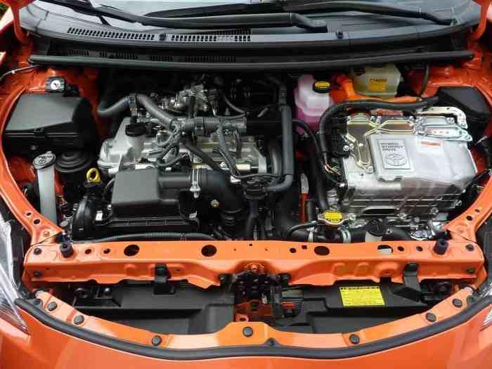 Почему автомобиль издает ноющий шум при ускорении?
