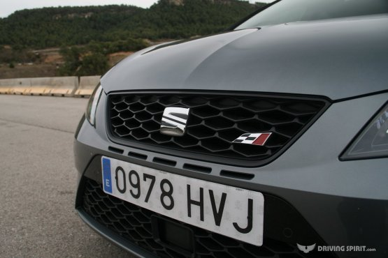 SEAT Leon Cupra 280 Front Grille (2014)