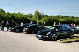 Car Cafe - V12 Vantage or 911?