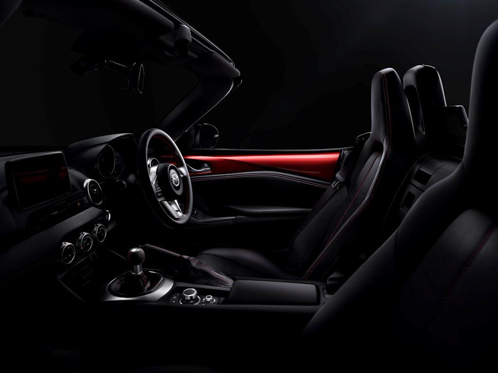 Mazda MX-5 Interior 01