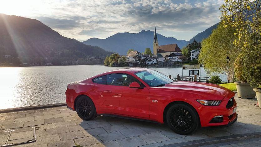 Ford Mustang V8 Fastback 2015 01