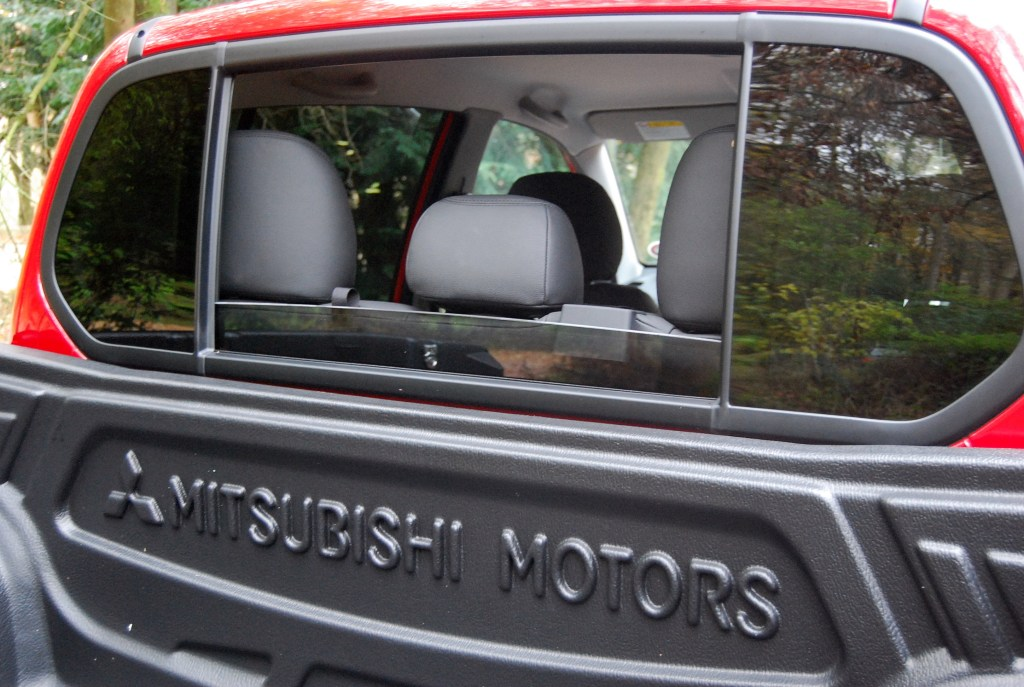 Mitsubishi L200 Trojan Red Rear Window