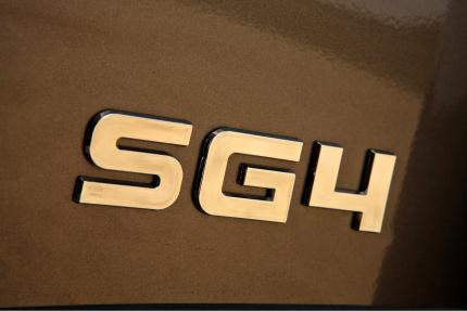 Mitsubishi shogun SG4 Badge