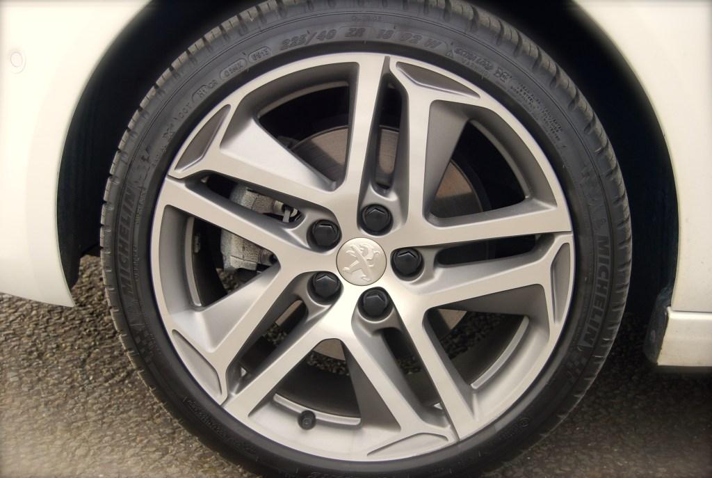 Peugeot 308 THP wheel