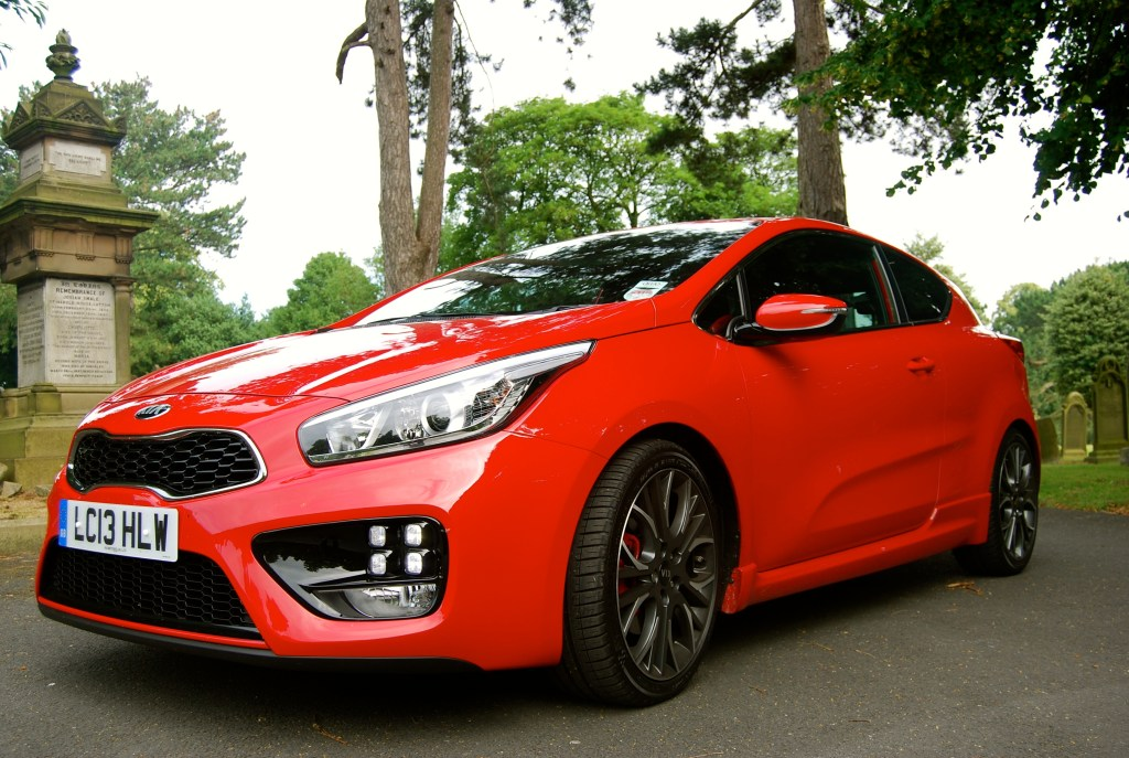 KIA pro_cee'd GT front and side