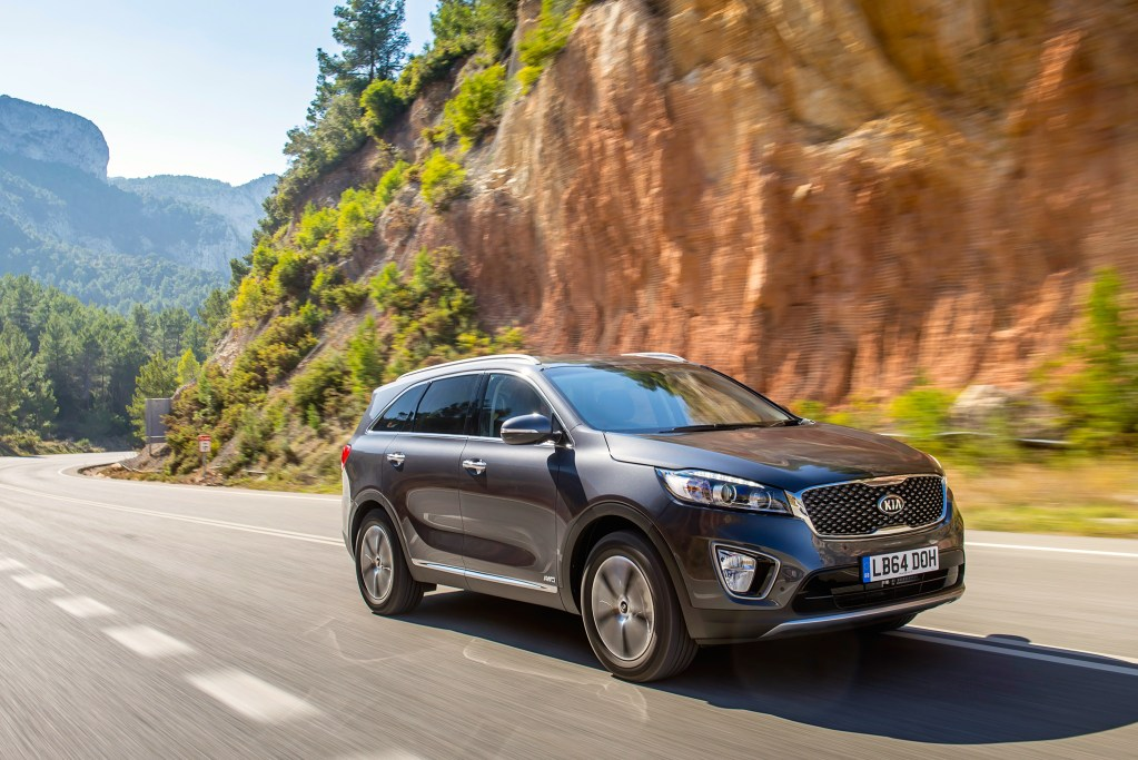 new KIA sorento front grey