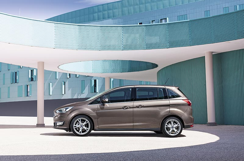 Ford Grand C-MAX side brown