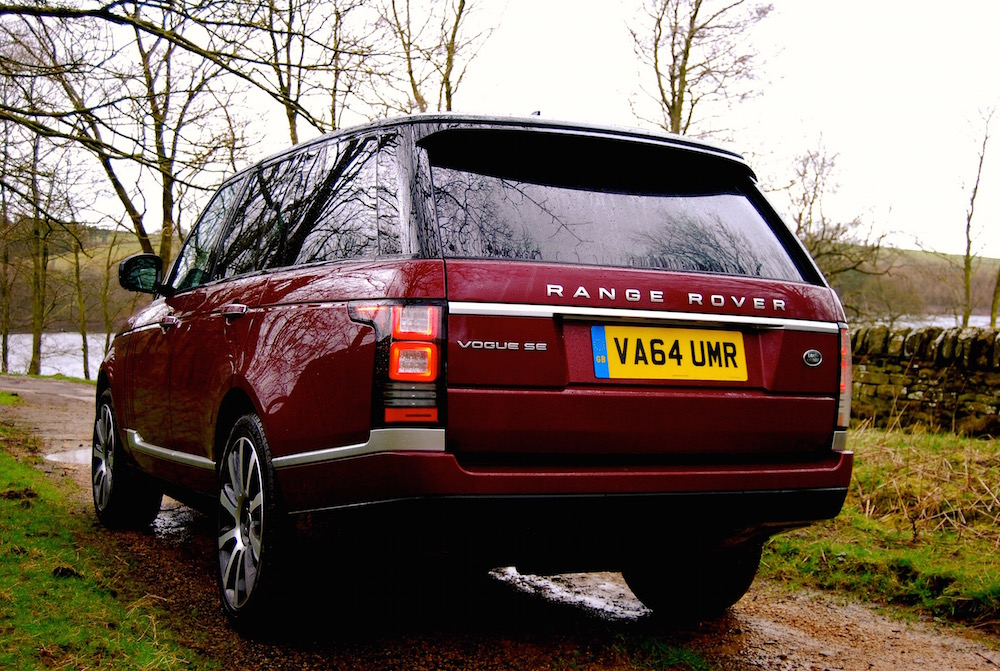 range_rover_vogue_se_red_rear