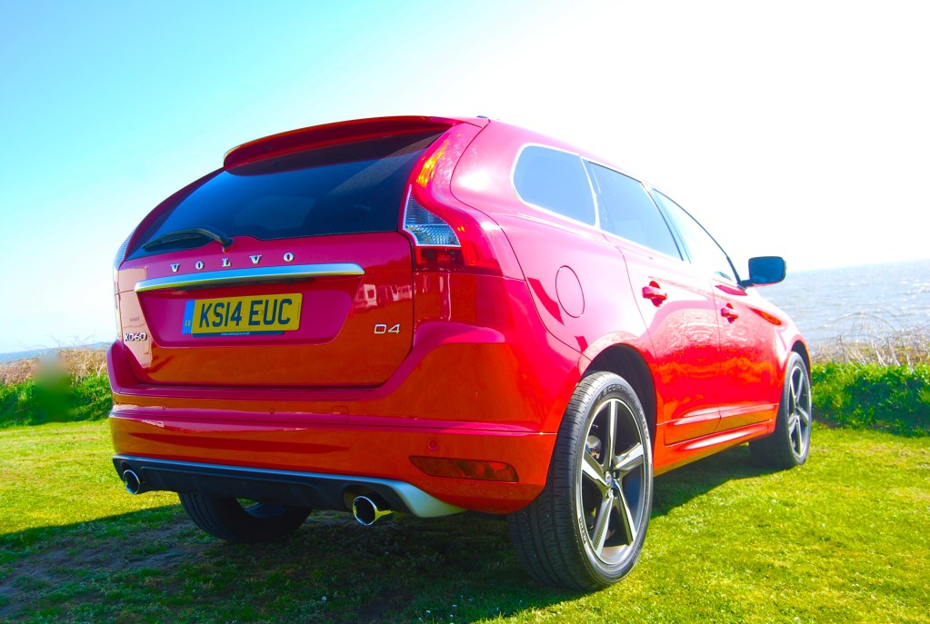 Volvo XC60 R-Design red rear