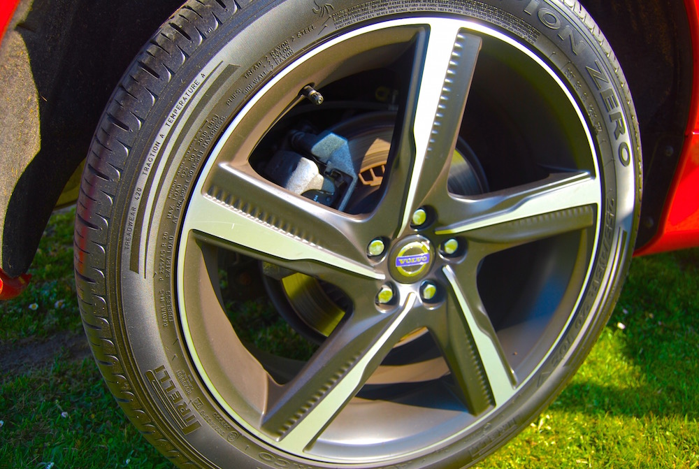 volvo_xc60_r_design_20_ixion_wheel