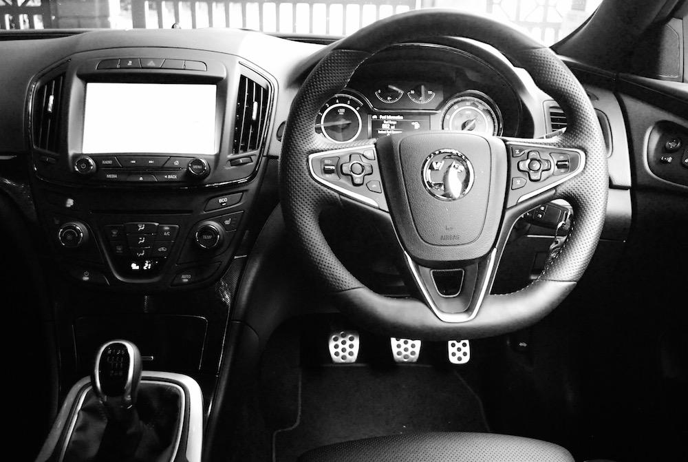 Vauxhall insignia sri vx line review for Interior opel insignia 2015