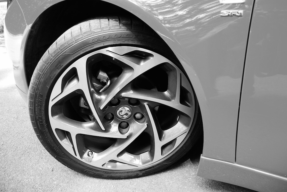 vauxhall_insignia_sri_vx_line_alloy_wheel