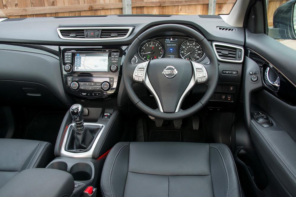 nissan qashqai interior cabin - Driving Torque