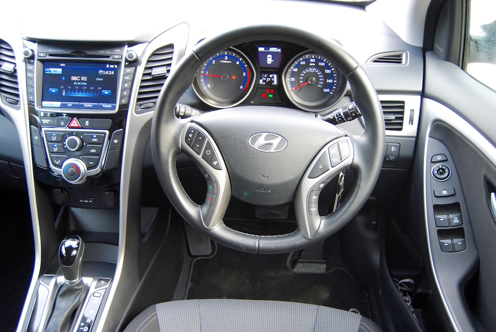 hyundai i30 interior cabin review road test