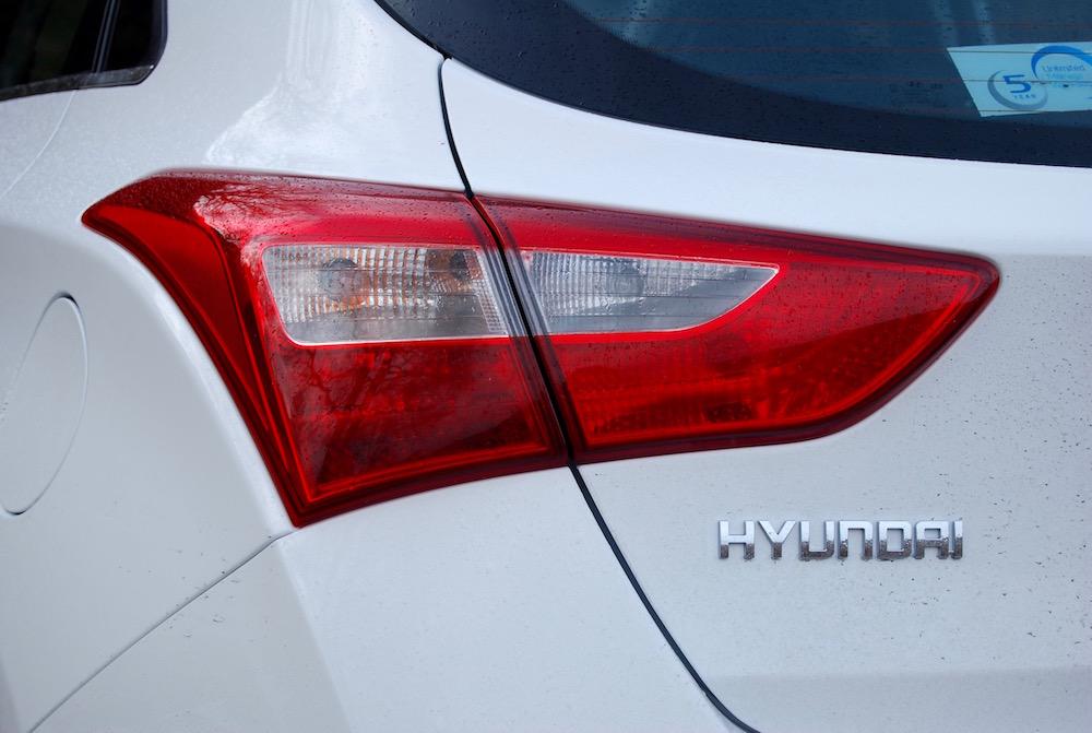 hyundai i30 white rear light review road test